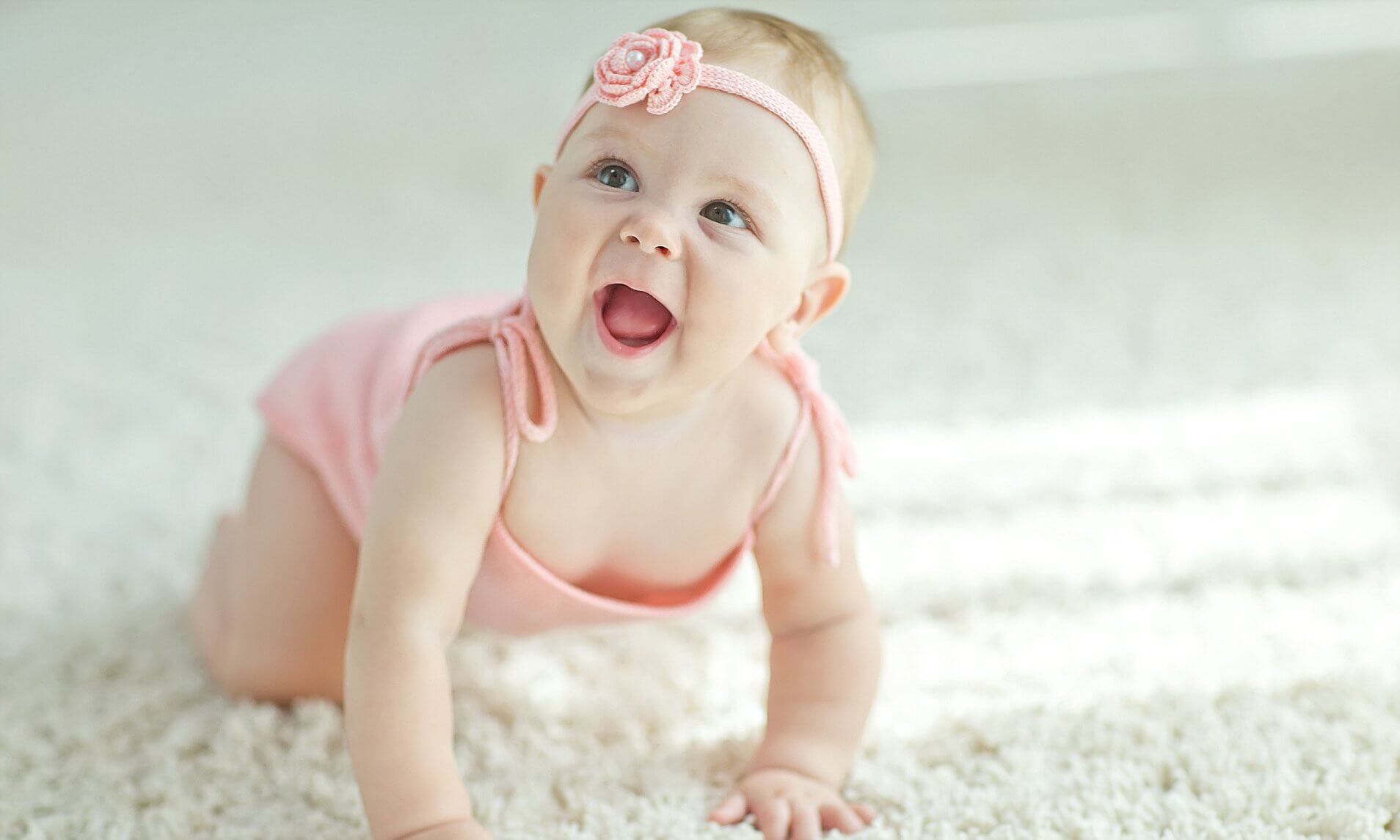 When Does a Baby Crawl; a Complete Guide About Crawling
