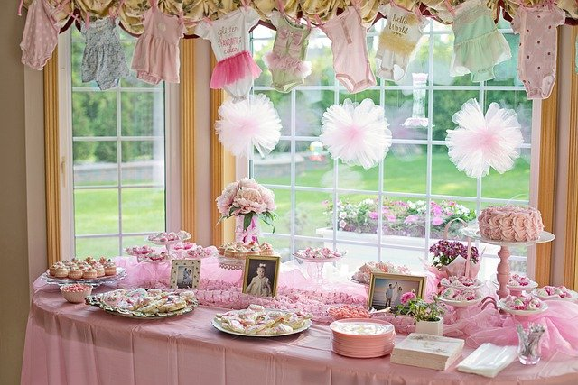 What Are Essential Things To Pack For A Baby Shower?
